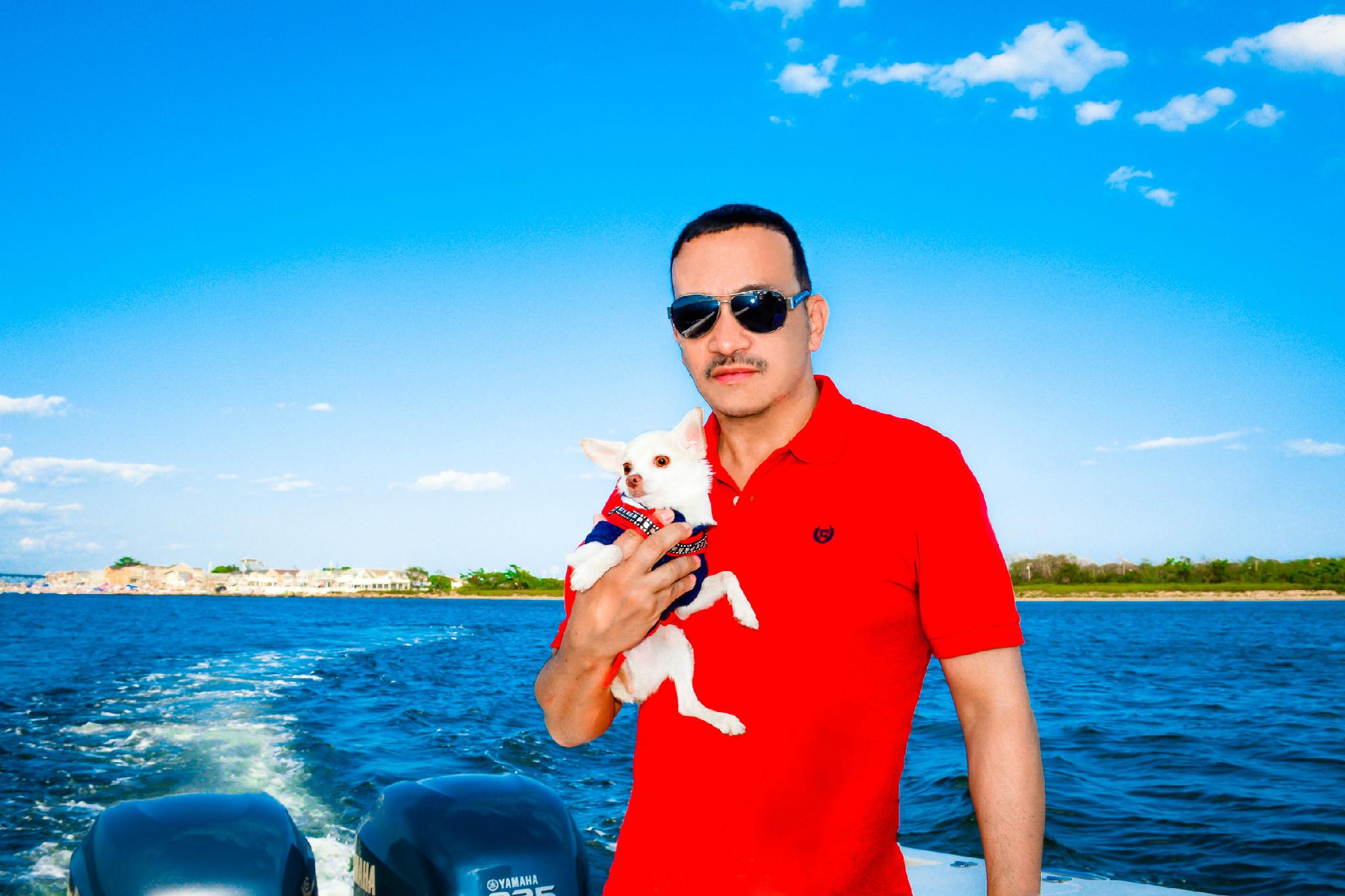 Anthony Rubio with Chihuahuas Bogie & Kimba Boating