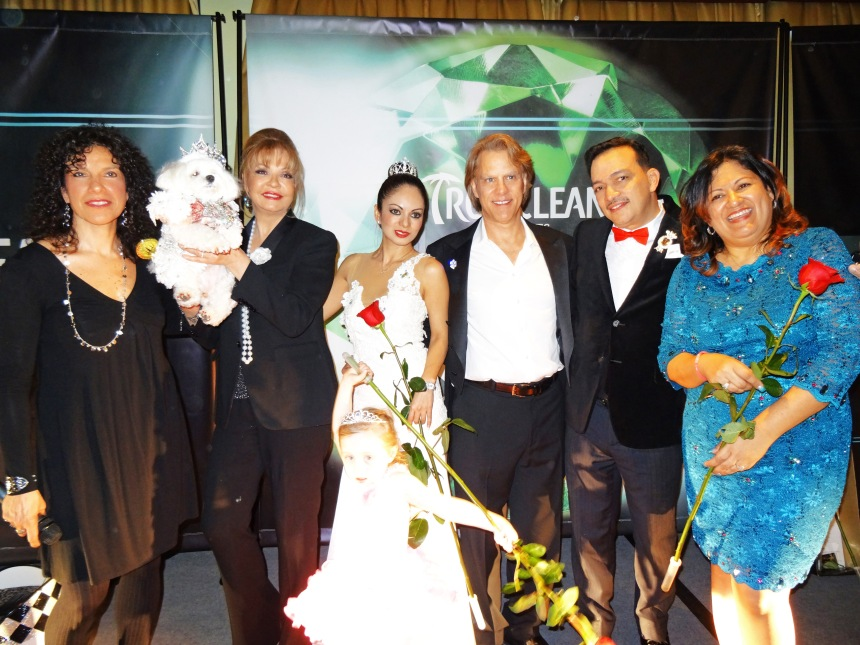 Maria Milito, Rose Ann Bolsany with Bella Mia, Ivon Reyes,  Gregg Oehler, Anthony Rubio, Ada Nieves at The New York Pet Fashion Show