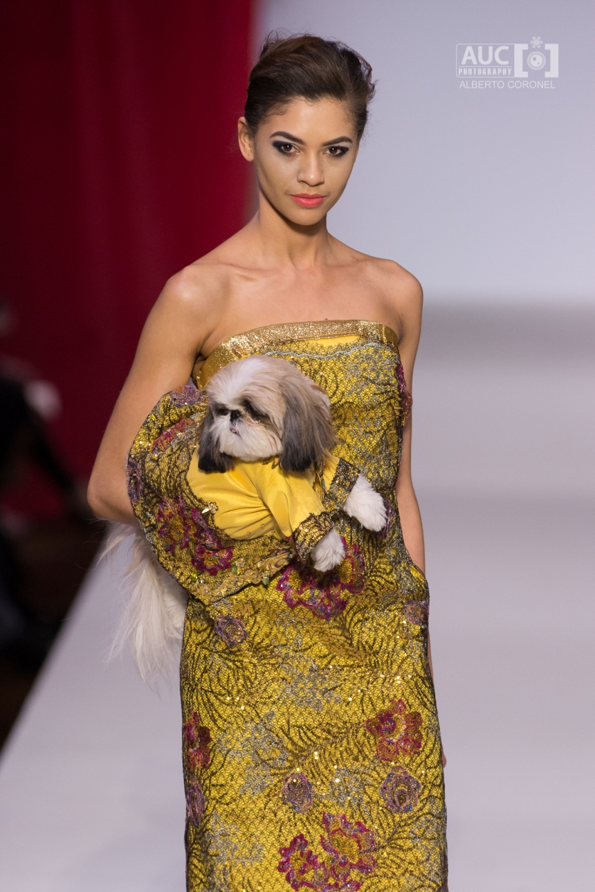 Anthony Rubio Fall/Winter 2016 - New York Fashion Week Women's Wear & Canine Couture Female Model: Luz Morillo Canine Model: Ceili The Puppy, @ceilithepuppy Photo by: Alberto Coronel