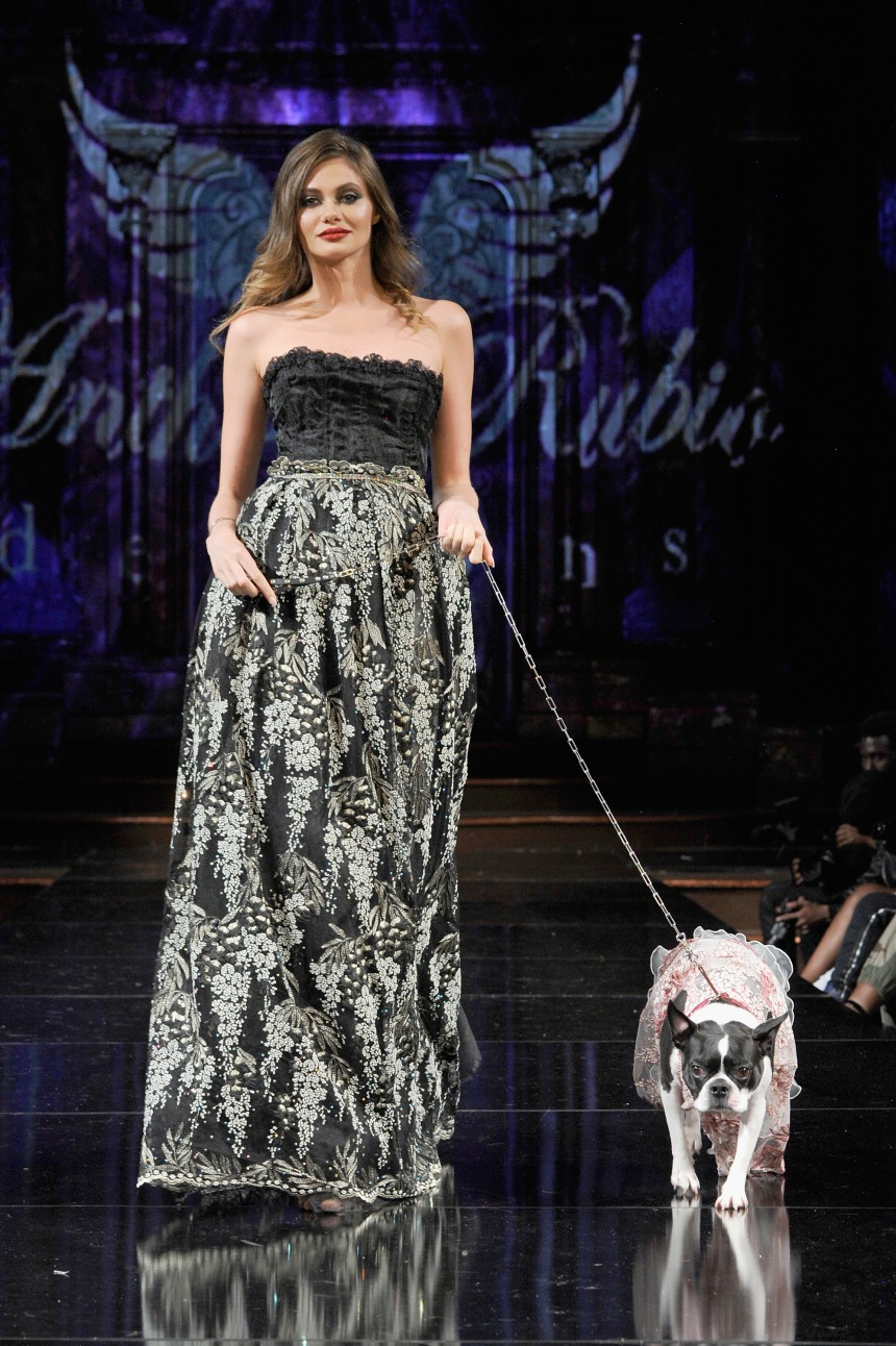 Anthony Rubio Spring/Summer 2018 Women's Wear & Canine Couture New York Fashion Week Photo by Arun Nevader - Getty Images Model: Ania Tyson Canine Model: Rita